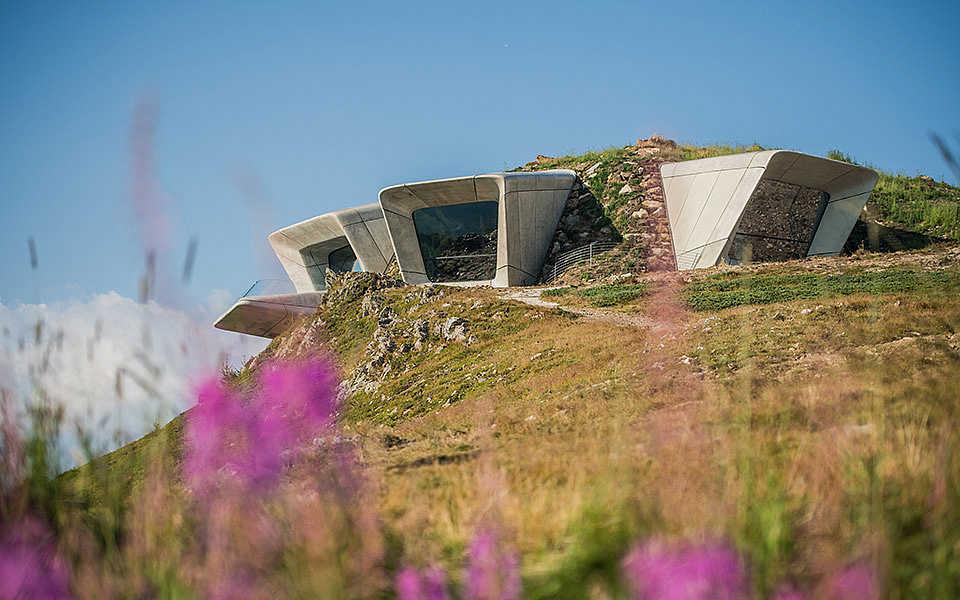 MMM Ripa & Corones, Reinhold Messner