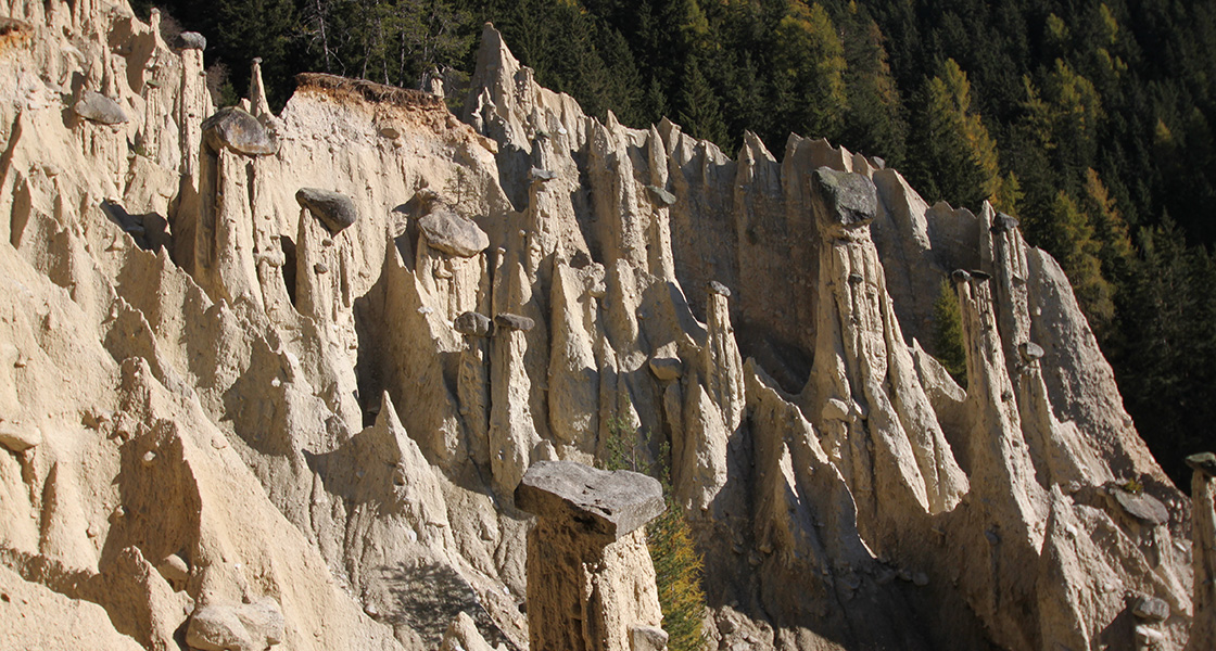 Earth Pyramids in Vila di Sopra / Perca